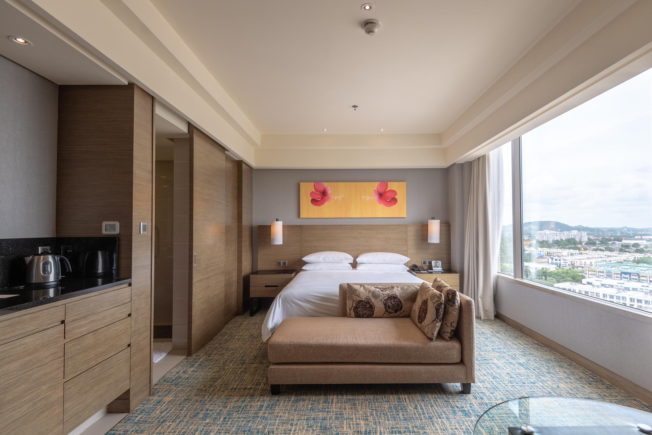 Comfortable Bed  Club Room - Renaissance Johor Bahru Hotel