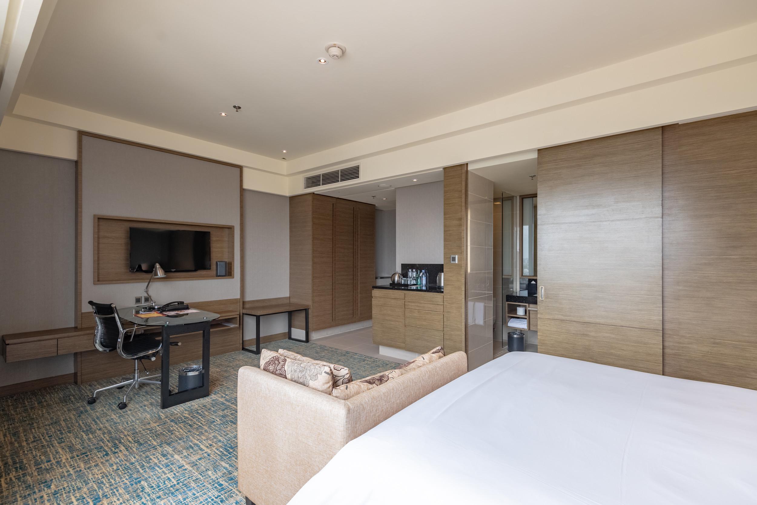 Bedroom  Club Room - Renaissance Johor Bahru Hotel