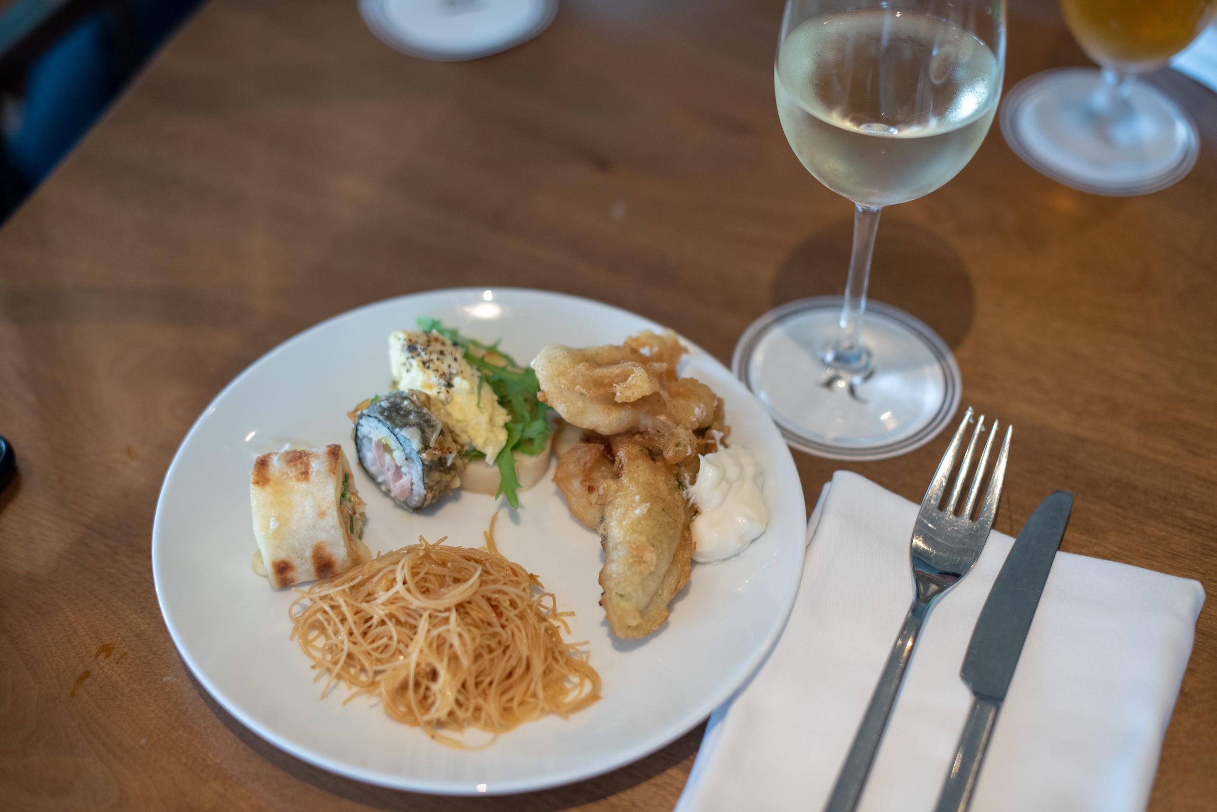 Evening Canapés and Wine  Club Lounge - Renaissance Johor Bahru Hotel