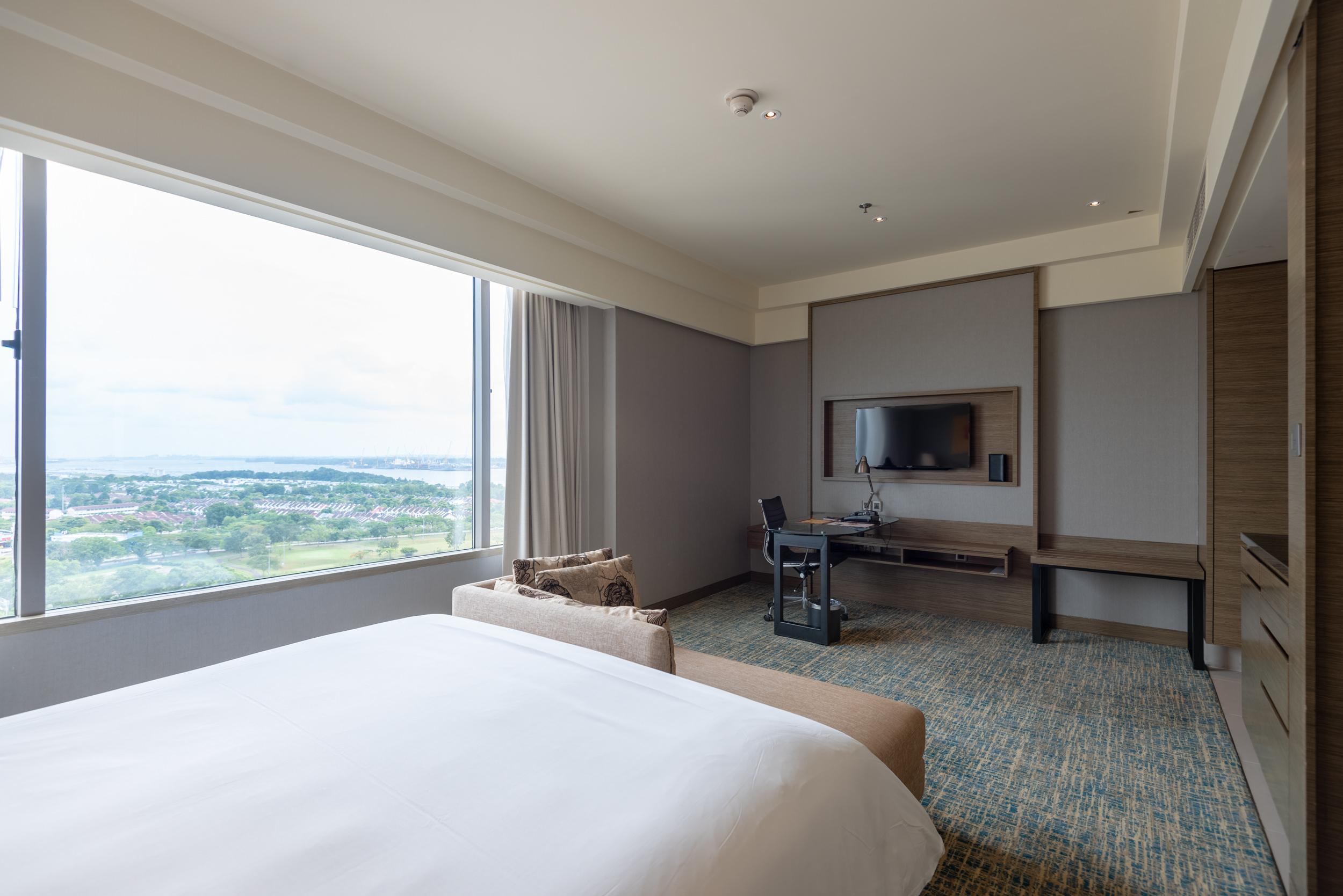 Work Desk and View  Club Room - Renaissance Johor Bahru Hotel