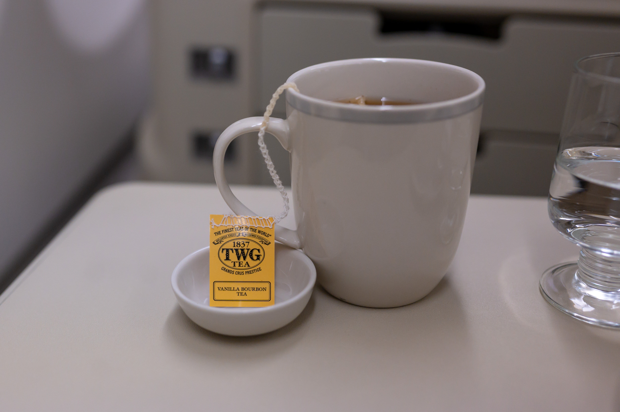 Vanilla Bourbon Tea  Singapore Airlines Business Class A330-300 SQ187 - HAN to SIN