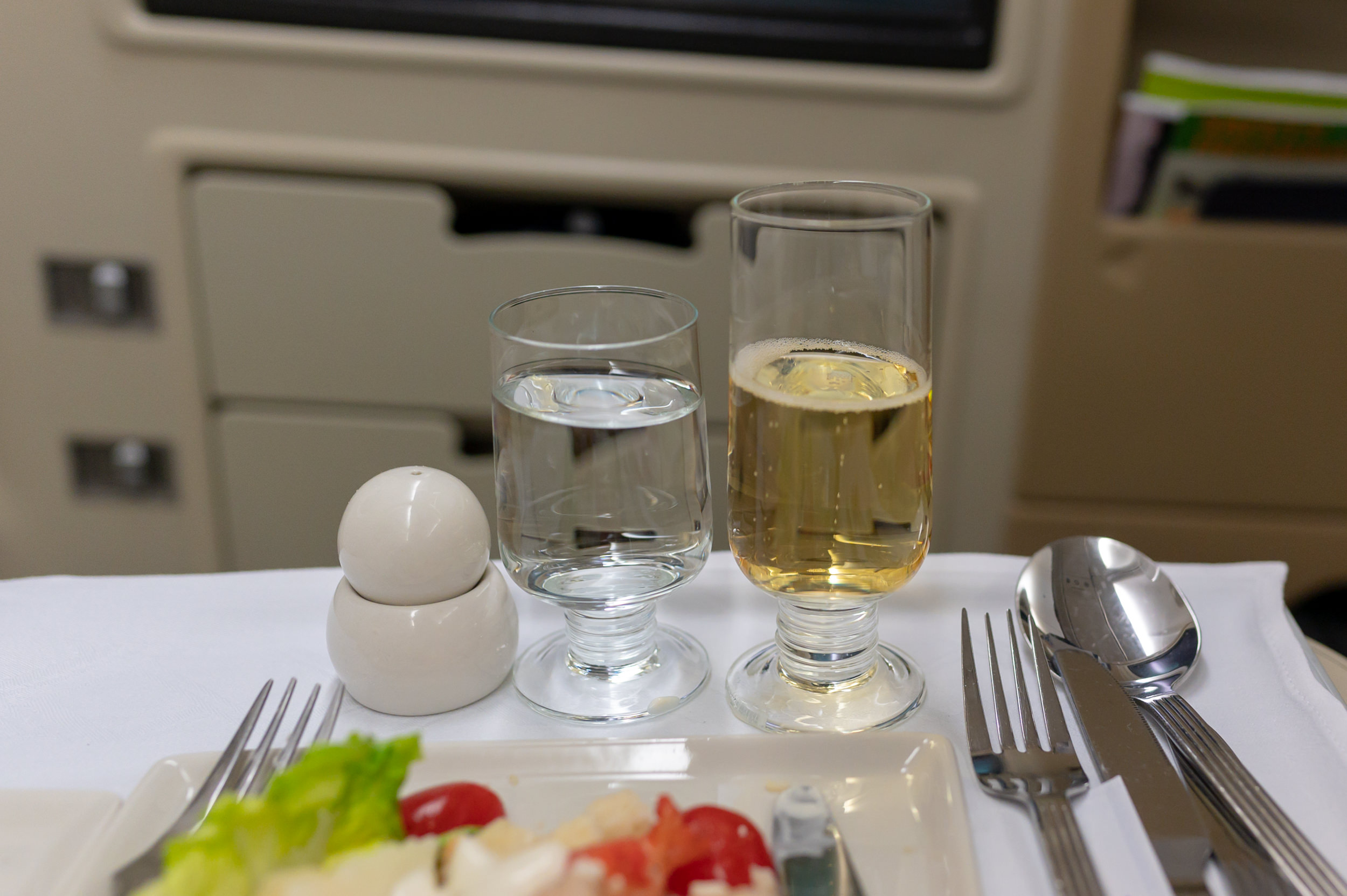 Charles Heidsieck Champagne  Singapore Airlines Business Class A330-300 SQ187 - HAN to SIN