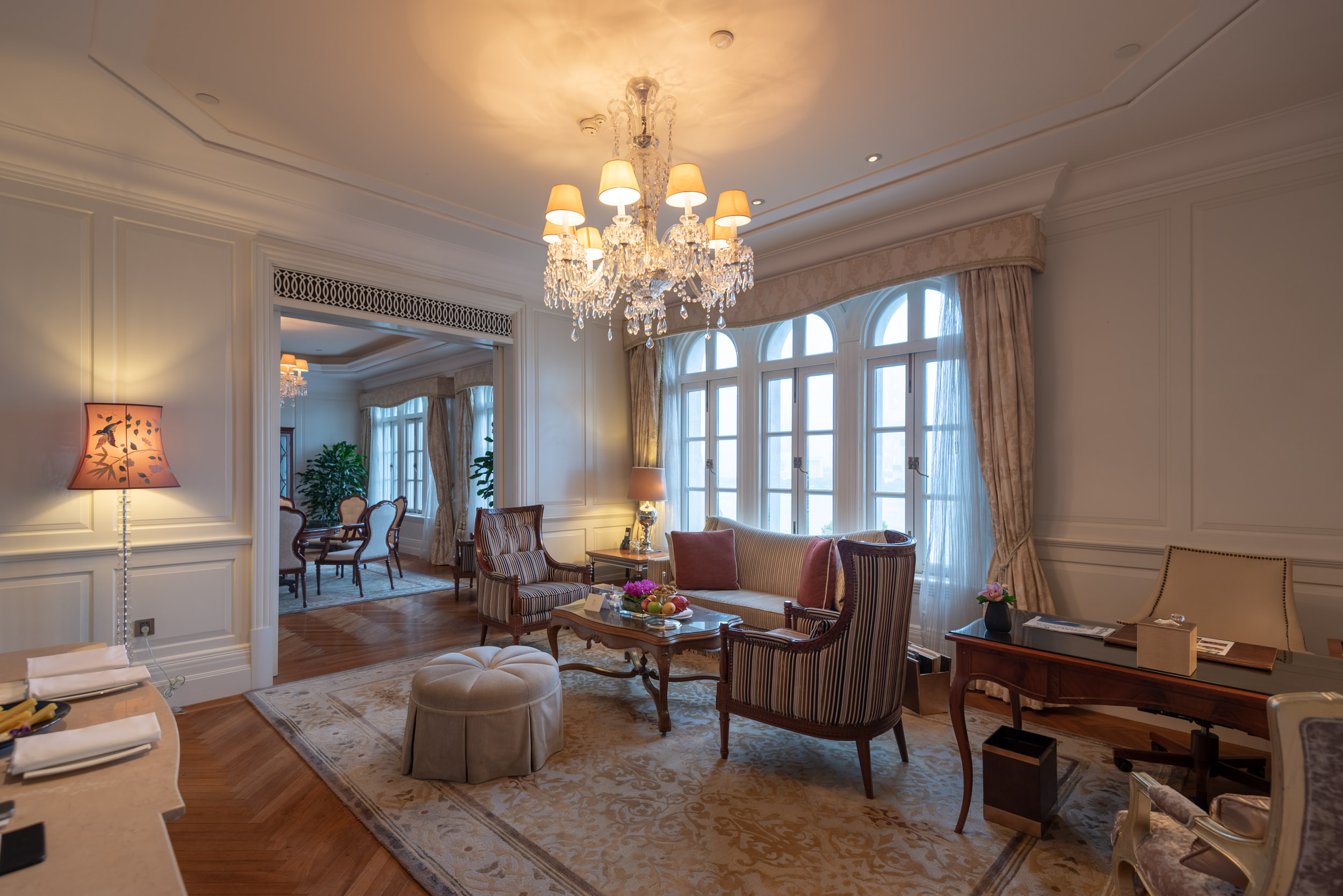 Living Room Heritage Luxury River View Suite - Waldorf Astoria Shanghai on the Bund