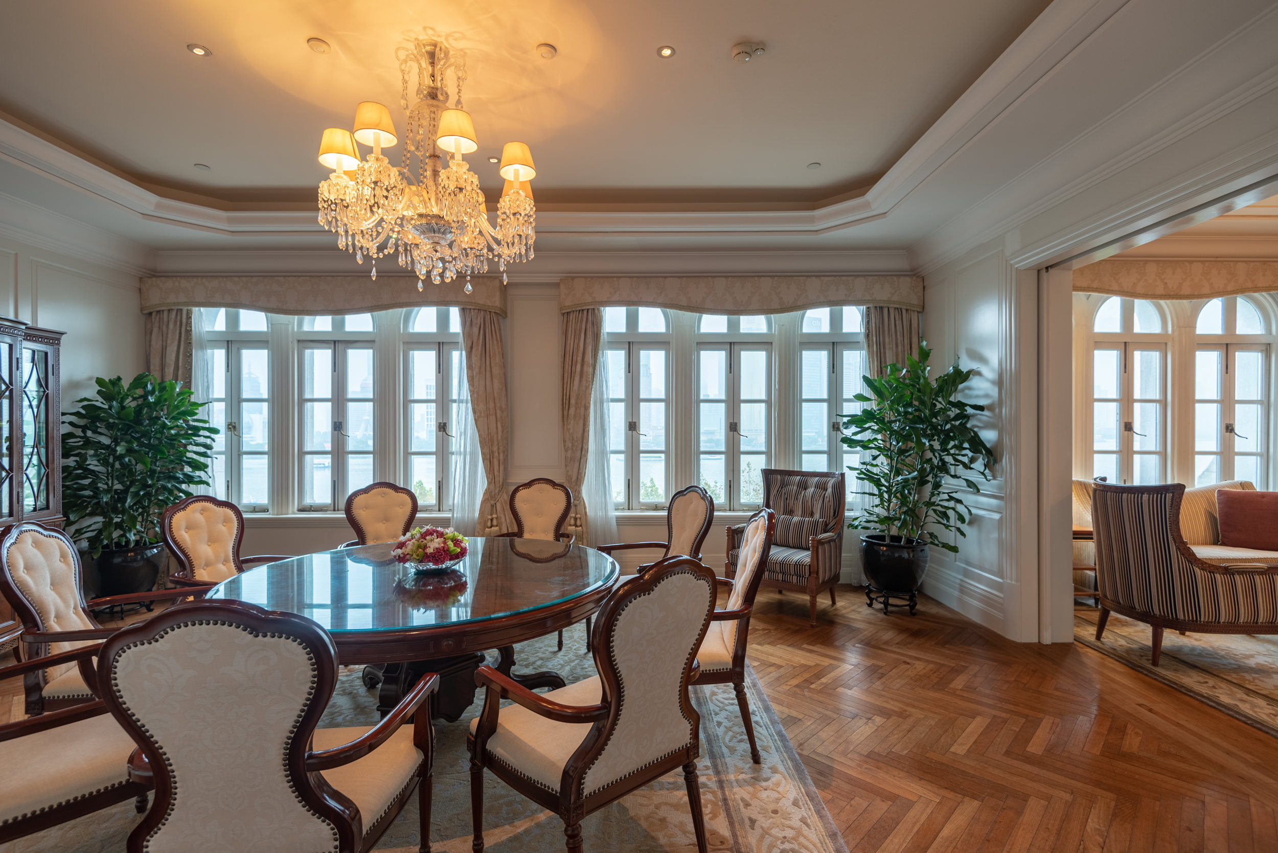 Dining Room Heritage Luxury River View Suite - Waldorf Astoria Shanghai on the Bund