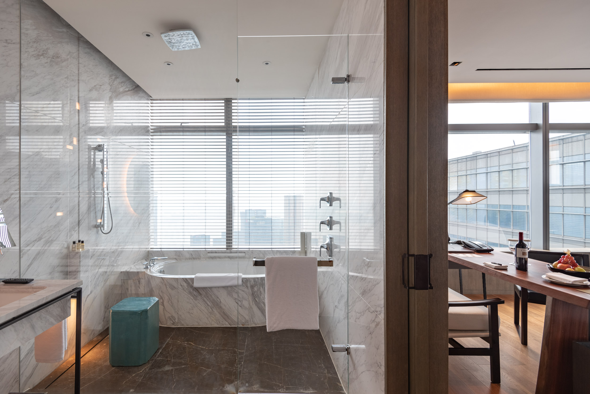Bathtub with a View  Deluxe Riverview King - Park Hyatt Hangzhou