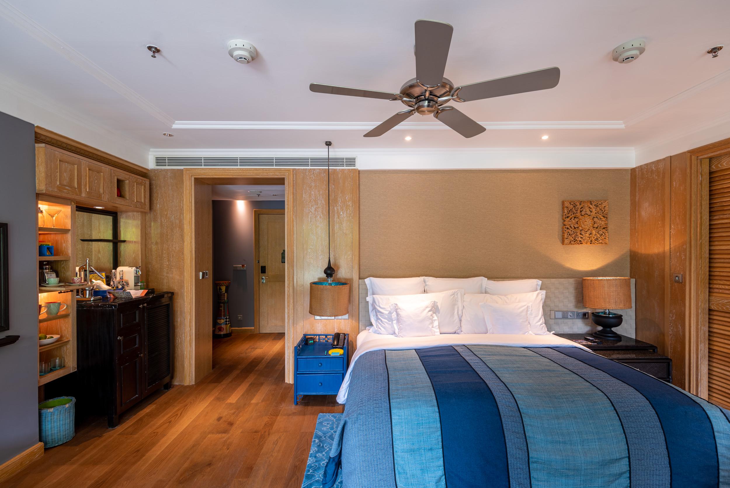 Bedroom and Entrance  Perada Suite - Hotel Indigo Bali Seminyak Beach