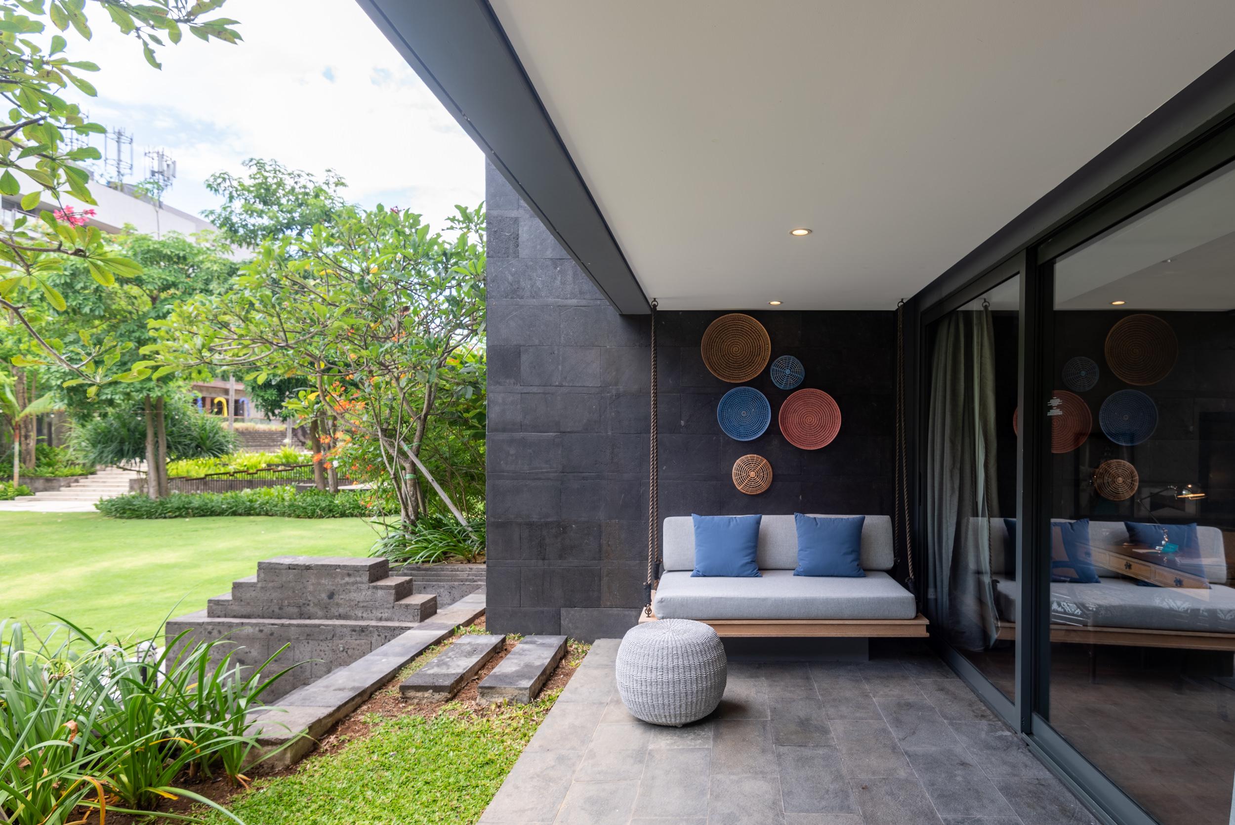 Seating Area in Balcony  Perada Suite - Hotel Indigo Bali Seminyak Beach