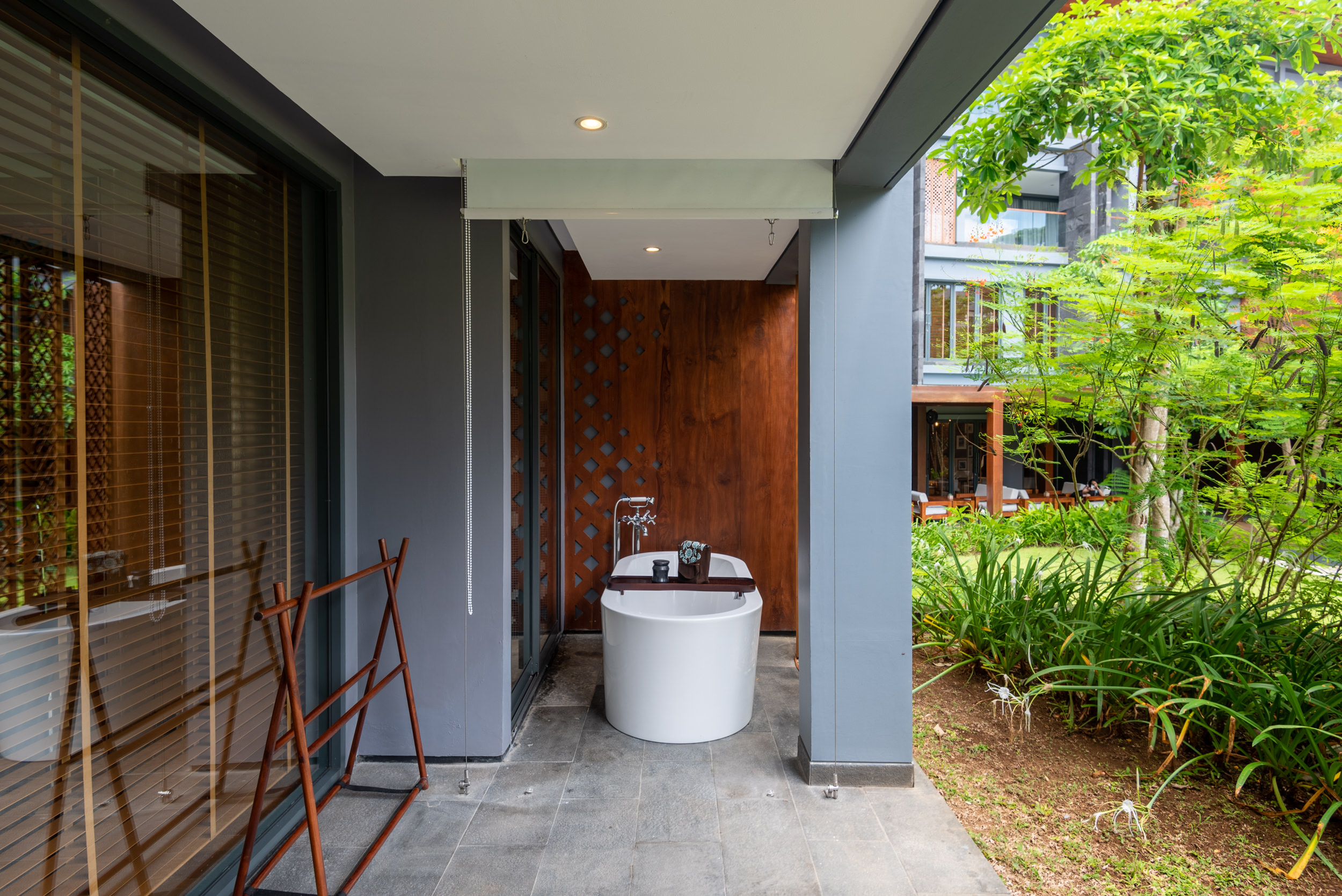 Outdoor Bathtub  Perada Suite - Hotel Indigo Bali Seminyak Beach