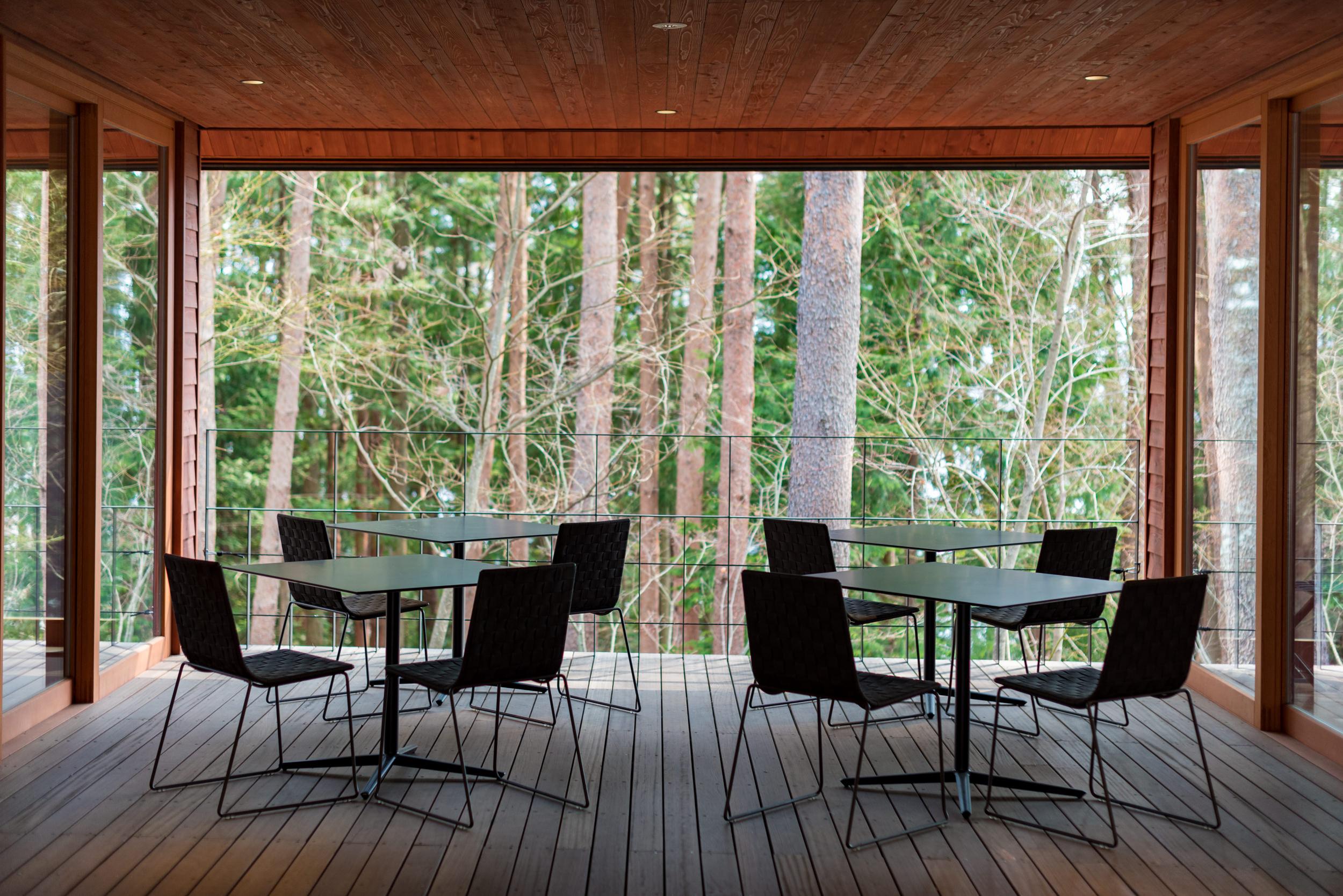 Semi-Outdoor Seating Area  HOSHINOYA Fuji