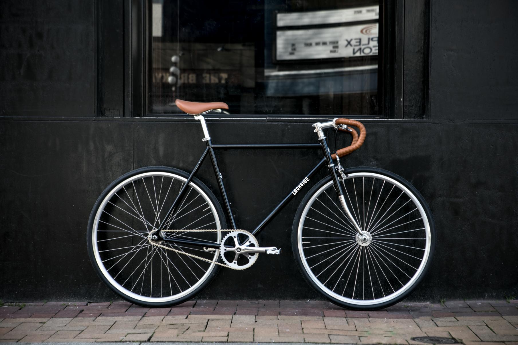 Single speed fixed gear bike drop bars.png