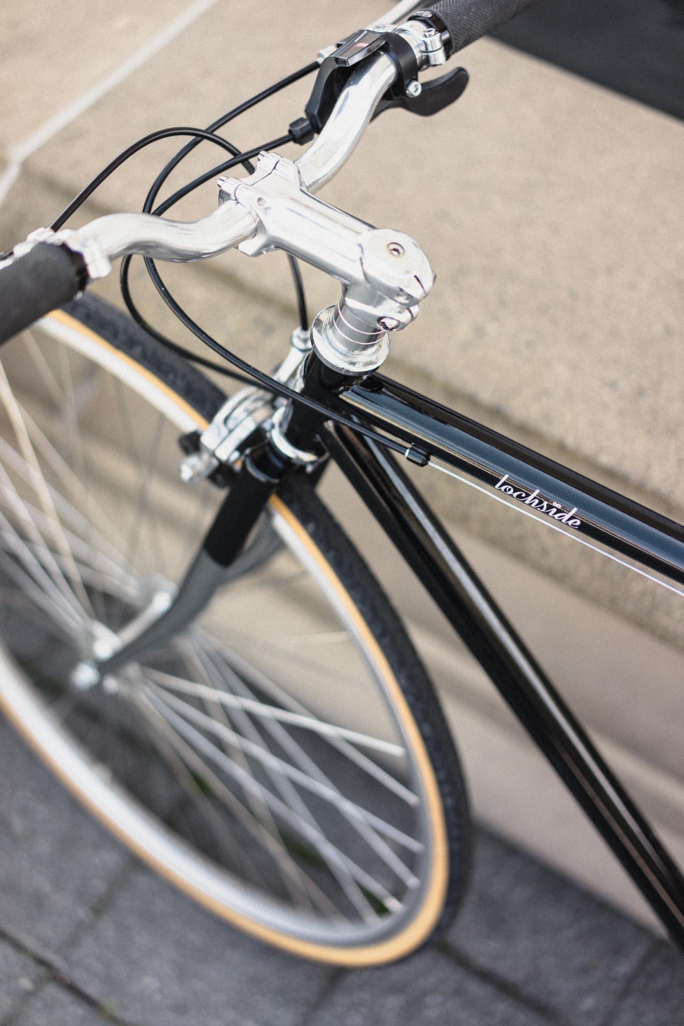 Lochisde Cycles 8-speed bike black rapid fier shifter wide gear ratio 309 Shimano Claris.jpg