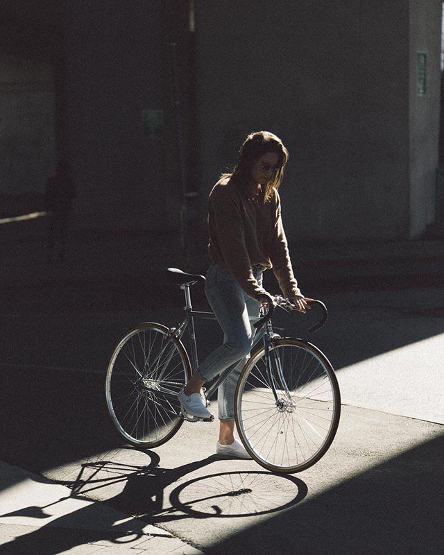 Hope you're out enjoying your long weekend! ☀️🤙🏽 #lochsidecycles #bikecompany #citybike #urbanbikes #fixedgear #singlespeed #fixiebike #bikeride