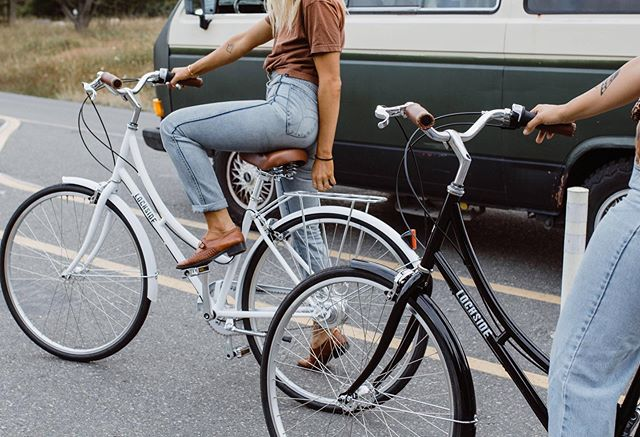 Stop scrolling and go for a ride!  #lochsidecycles #🚲 #bikeride #cruiserbicycle #stepthrough #cycling #citybike #ditchbike #bikeyyj #yyj 📷 @sparanesechiara