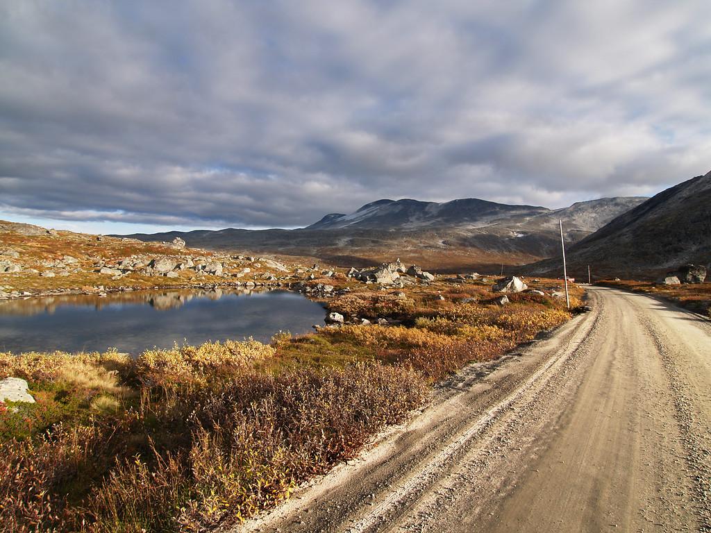 Strynefjellsvegen, October 1st. Photo by Werner Harstad / Statens Vegvesen.