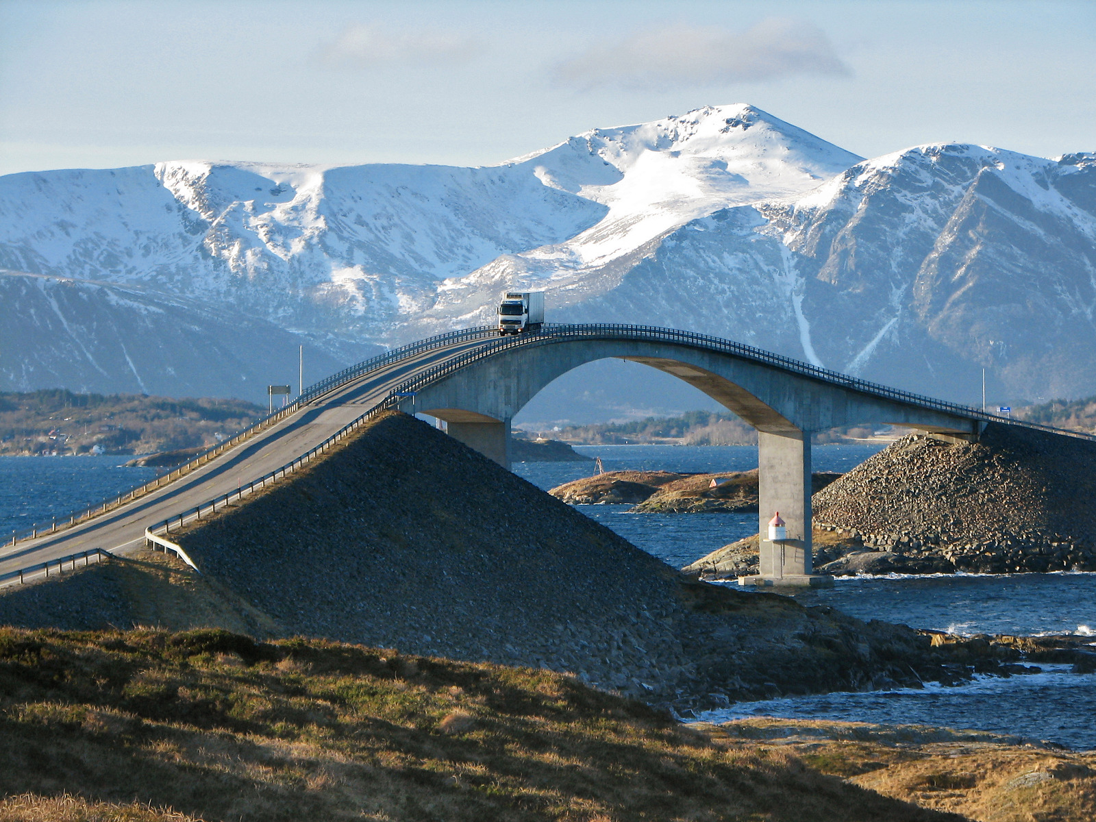 Atlantic Road / Atlanterhavsvegen, February 20th. Photo by Yngvild Meinseth / Statens Vegvesen.