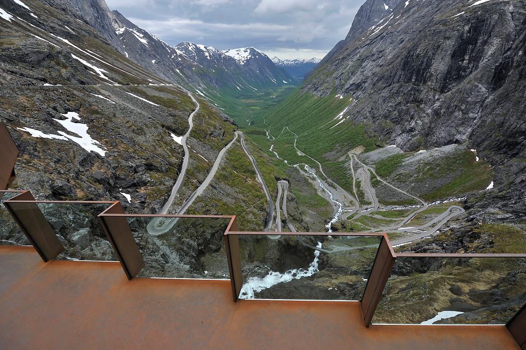 Trollstigen, June 15th. Photo by Roger Ellingsen / Statens Vegvesen.