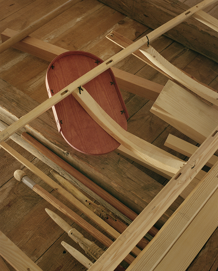 KNOT. 3901  — Thomas Lauge Laarseeraq Julius Denis Berthelsen Boassen & LeviSarha. With the help of the Nuuk Kayak Building Workshop — Nuuk 2017 Photo: ©Émile Barret / Hors Pistes