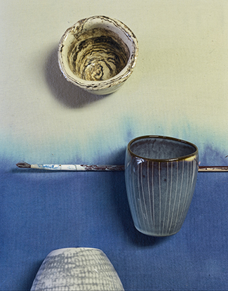 Kussensloop van  Styling and Co  Ecru kopje met streep Second Hand, Ceramic mok van  StylingandCo  Bowl van  Accessorize your home