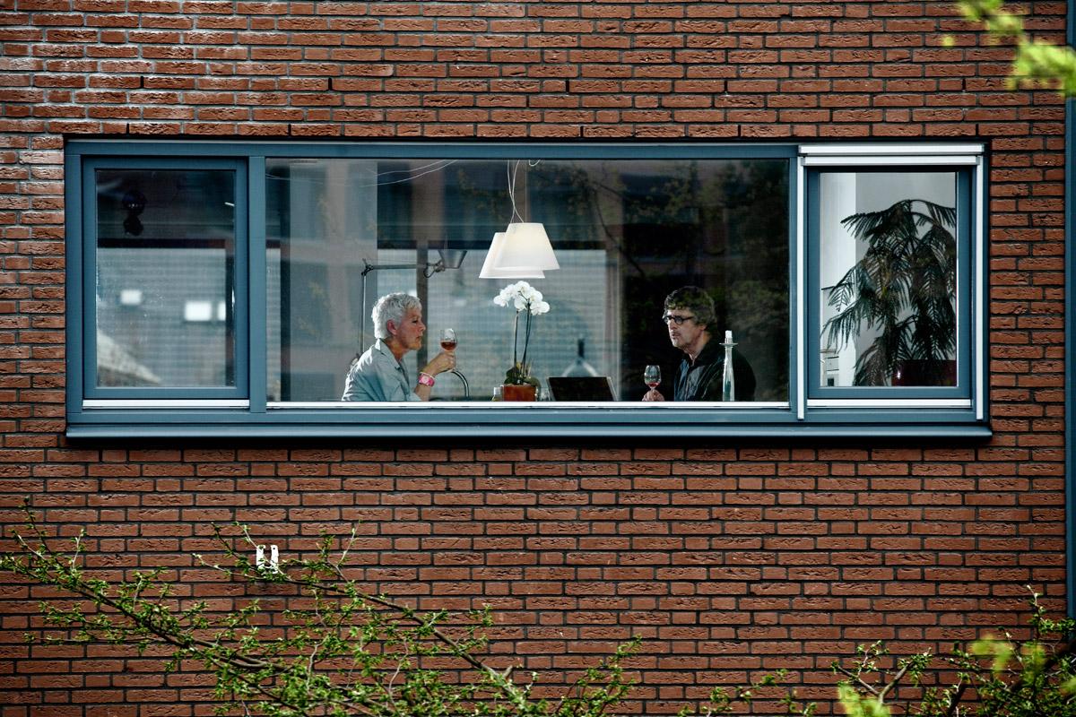 Susane and Wim Van Veelen in their house in the new neighborhood of Vathorst