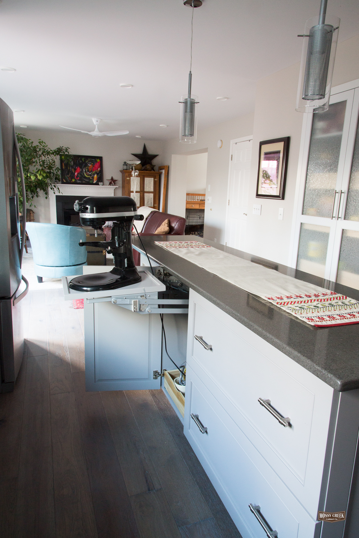 White kitchen Feb 2017-14.jpg