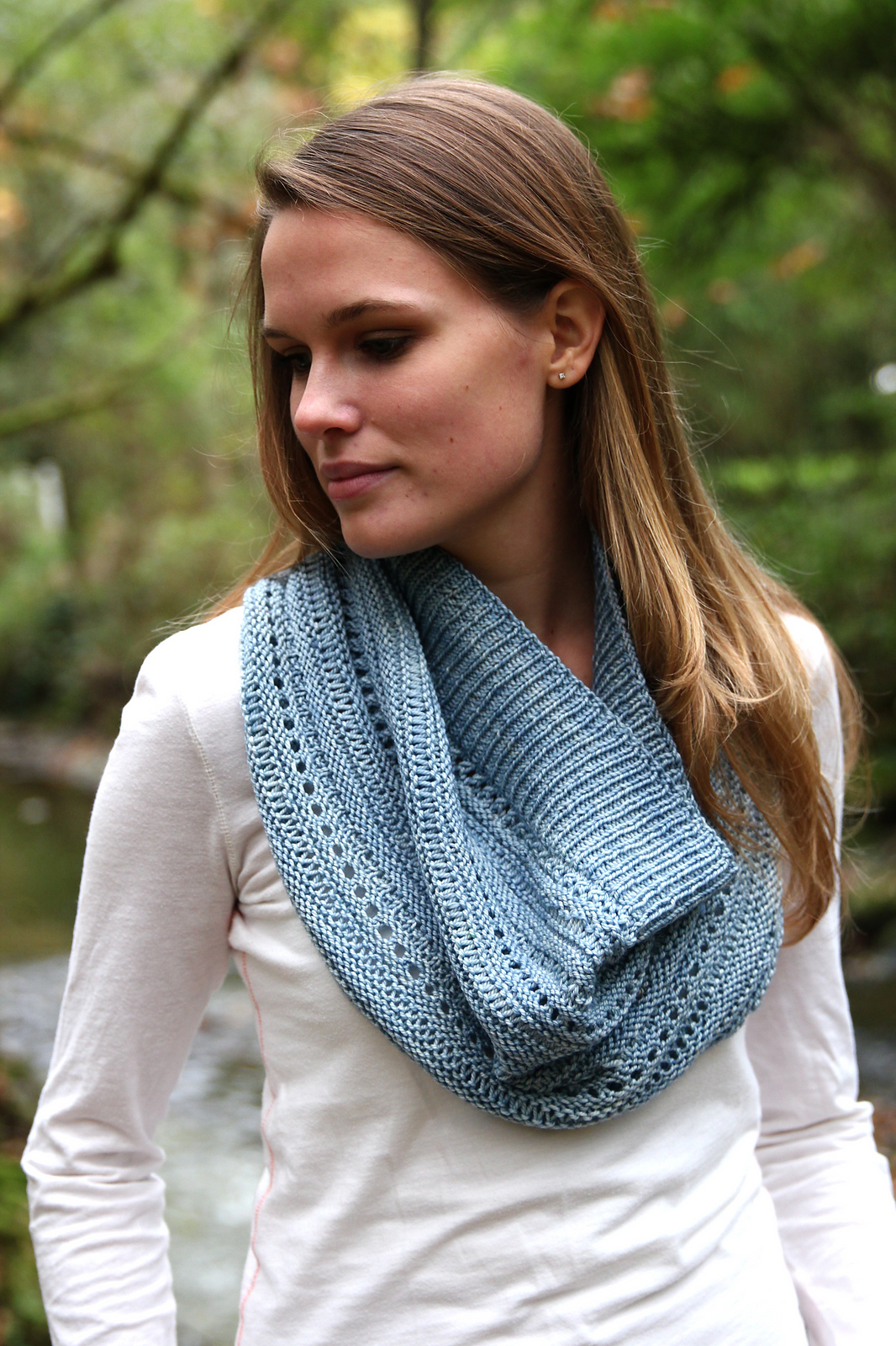 The Riverbank cowl by Melissa Thompson of Sweet Fiber Yarns would be perfect pairing in Hennessy DK. Image courtesy of Melissa Thompson.