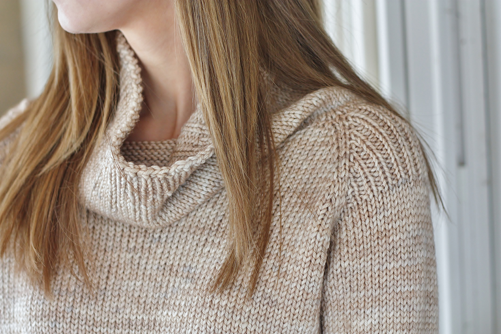 I love the idea of a soft and loose gauge turtleneck in Hennessy Aran in this colourway. Alicia Plummer's is perfect. Image courtesy of Aliciaplum