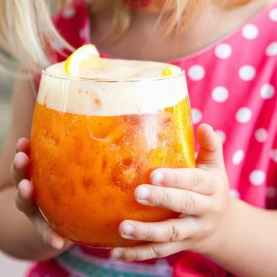 non-alcoholic-drink-coconut-peach-lemonade.jpg