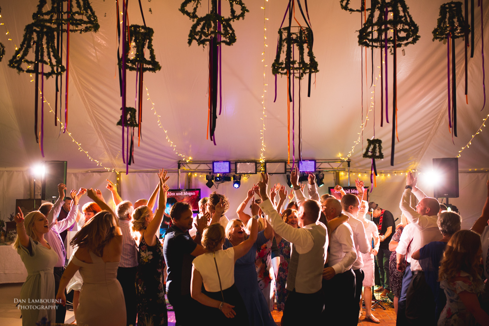 how to shoot the dancefloor at weddings