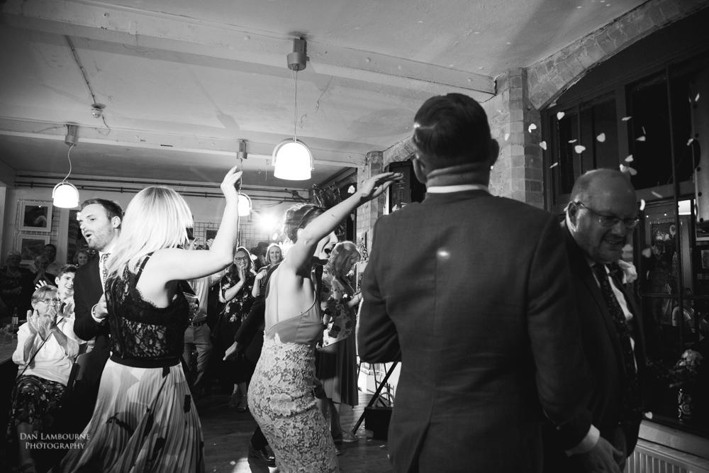Wedding Photographer in nottingham_97.jpg