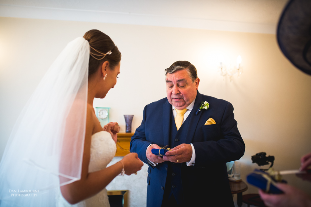 Wedding Photographers in Nottingham_10.jpg