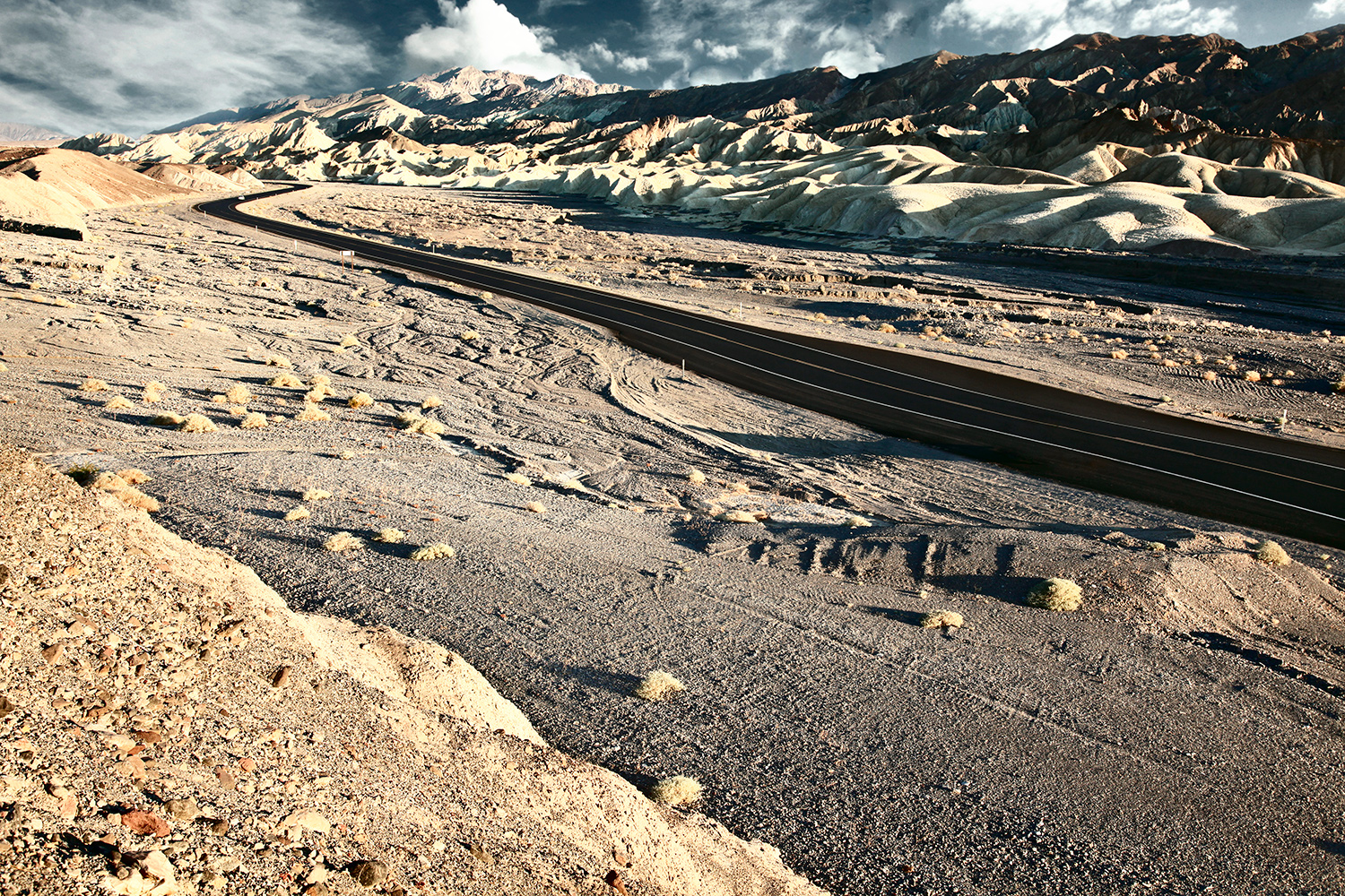 Death-Valley_1582_main.jpg