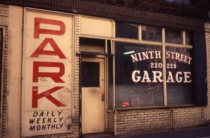 garage9thStreet_godlis.JPG