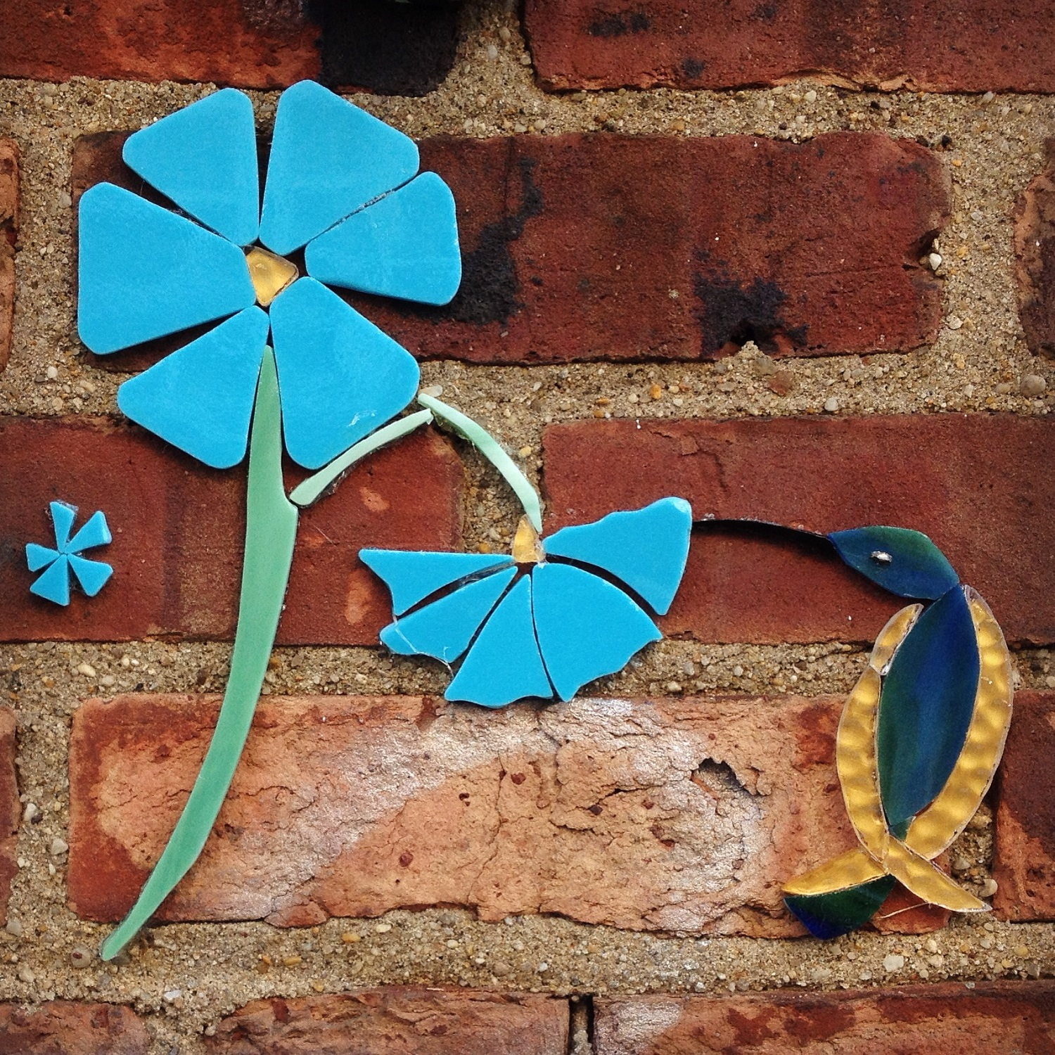 Wing-Glass-Street-art-blue-flowers-hummingbird-detail.jpg