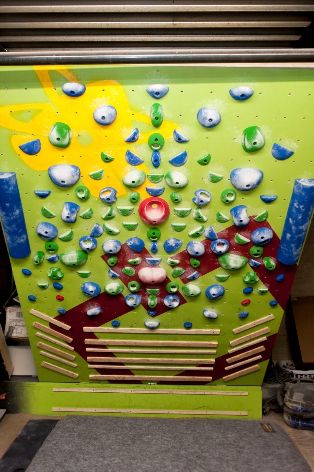Kris Hampton's mirror board setup .