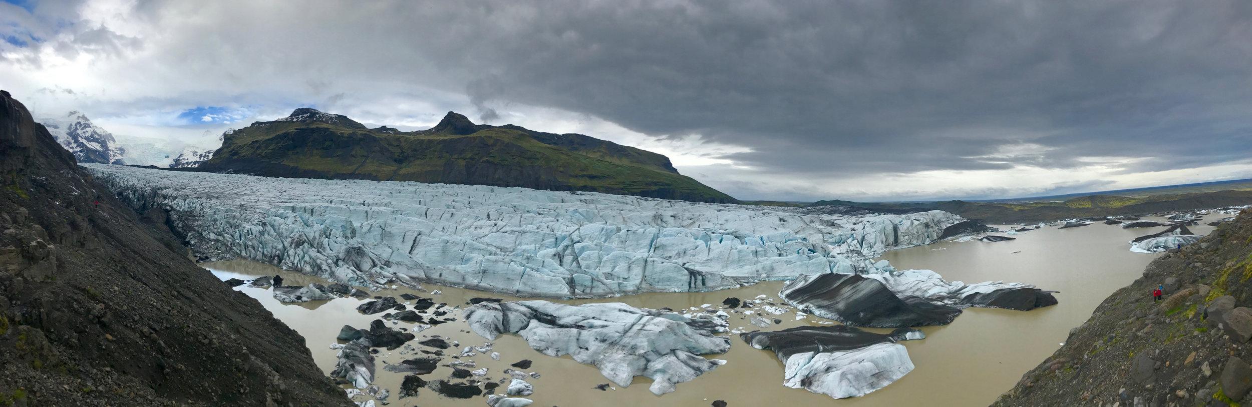 Svinafelljokull glacier