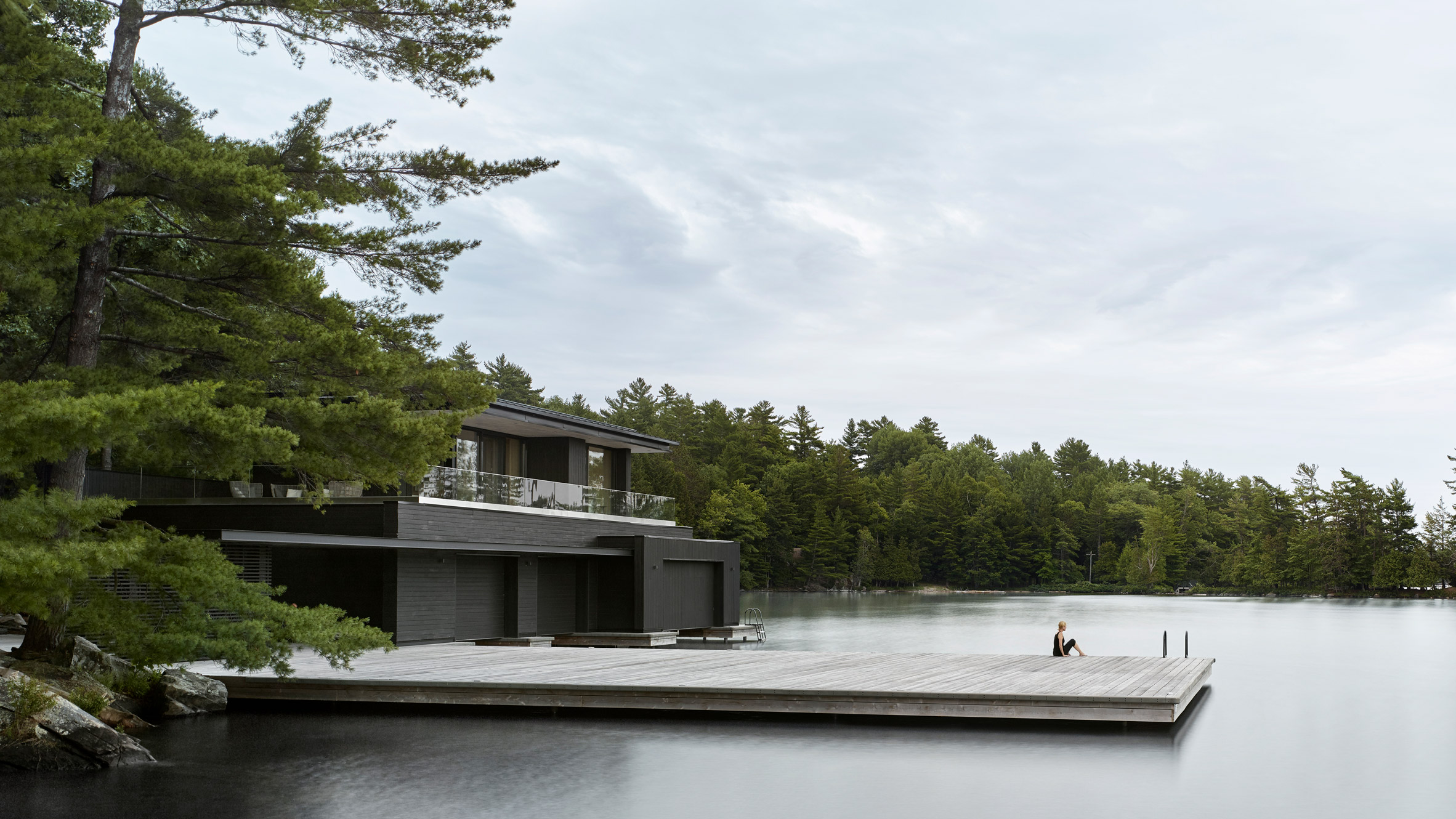 muskoka-boathouse-atelier-kastelic-buffey-ontario-lake-canada_dezeen_hero.jpg