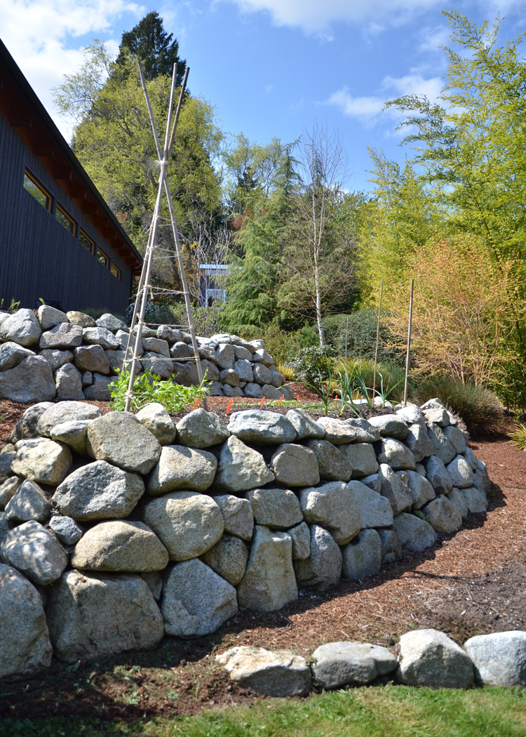 Retaining Wall Granite.jpg
