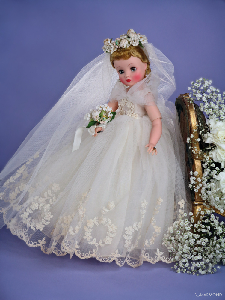 Brides and ballerinas were a perennial favorite for Alexander Dolls. Elise, with her jointed ankle and `fully jointed mechanics, made her also the perfect ballerina. - the one thing Cissy was not able to compete with.