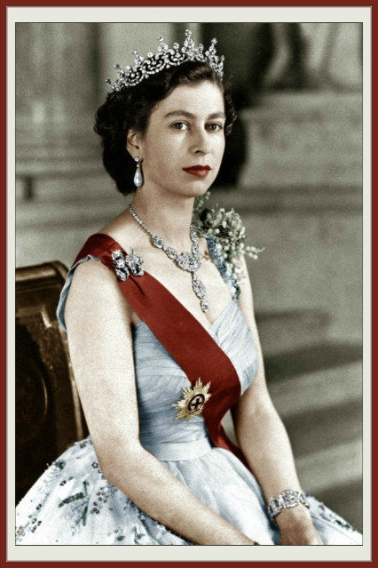 Queen Elizabeth herself in 1962 - same year as the last Cissy of 1962 by Madame Alexander.