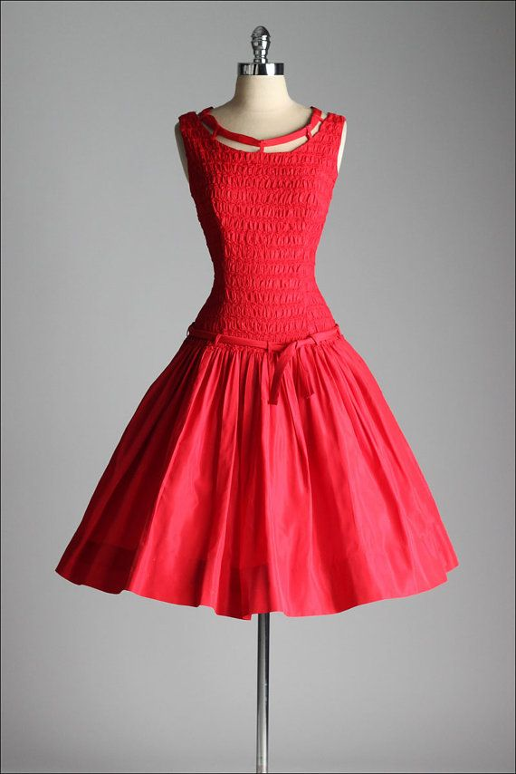 - Midcentury drop-waist dresses became popular with all ages and transitioned into the 1960s.