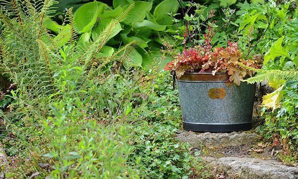 Zinc Planter Foras Stone