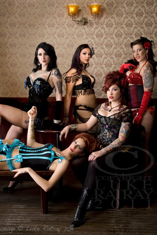 L to R clockwise: Nikki Le Villain, La Maia, Gigi LaFemme, Scarlet Sinclair and Nasty Canasta. Photo by Luke Ratray.