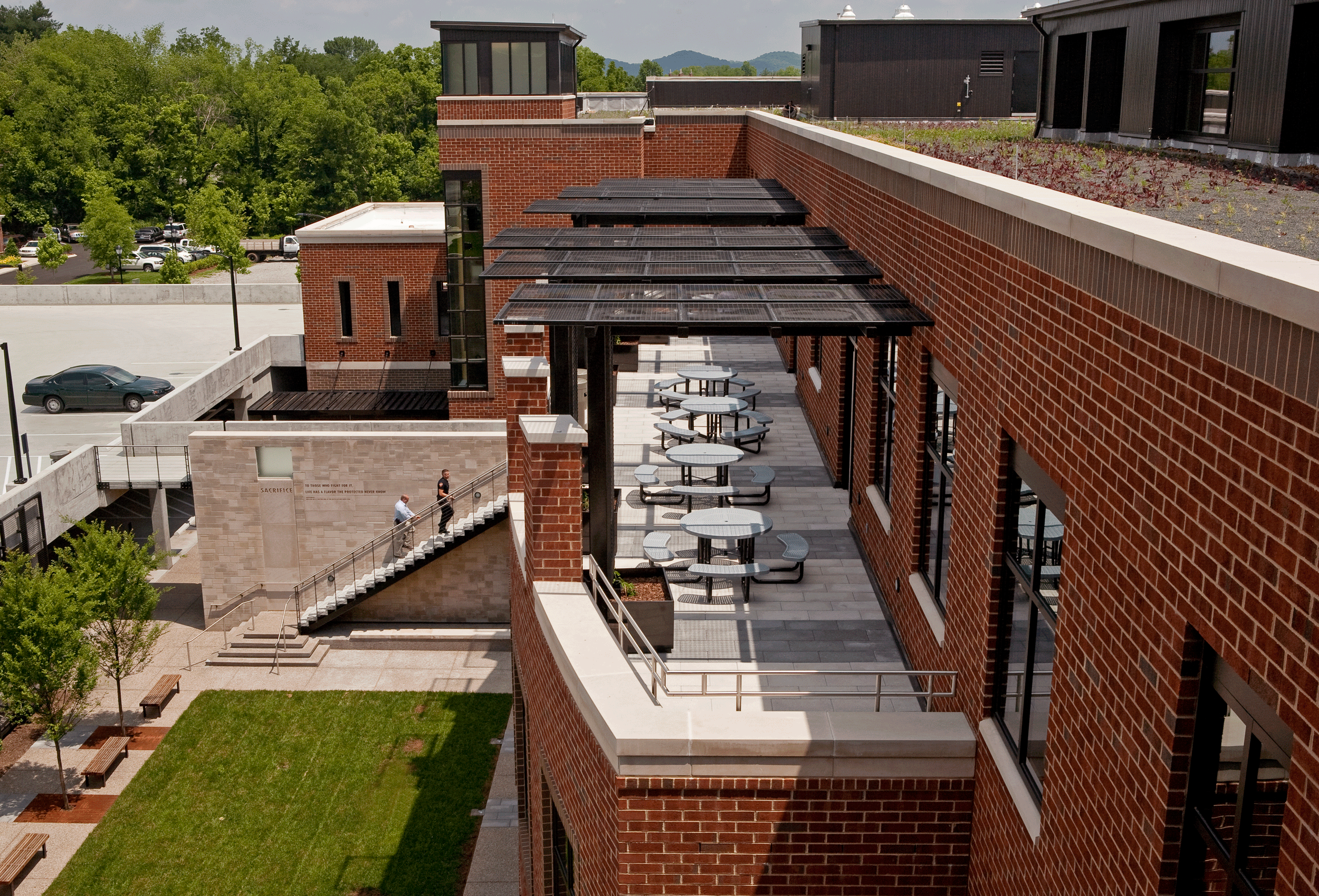 mid-level roof terrace