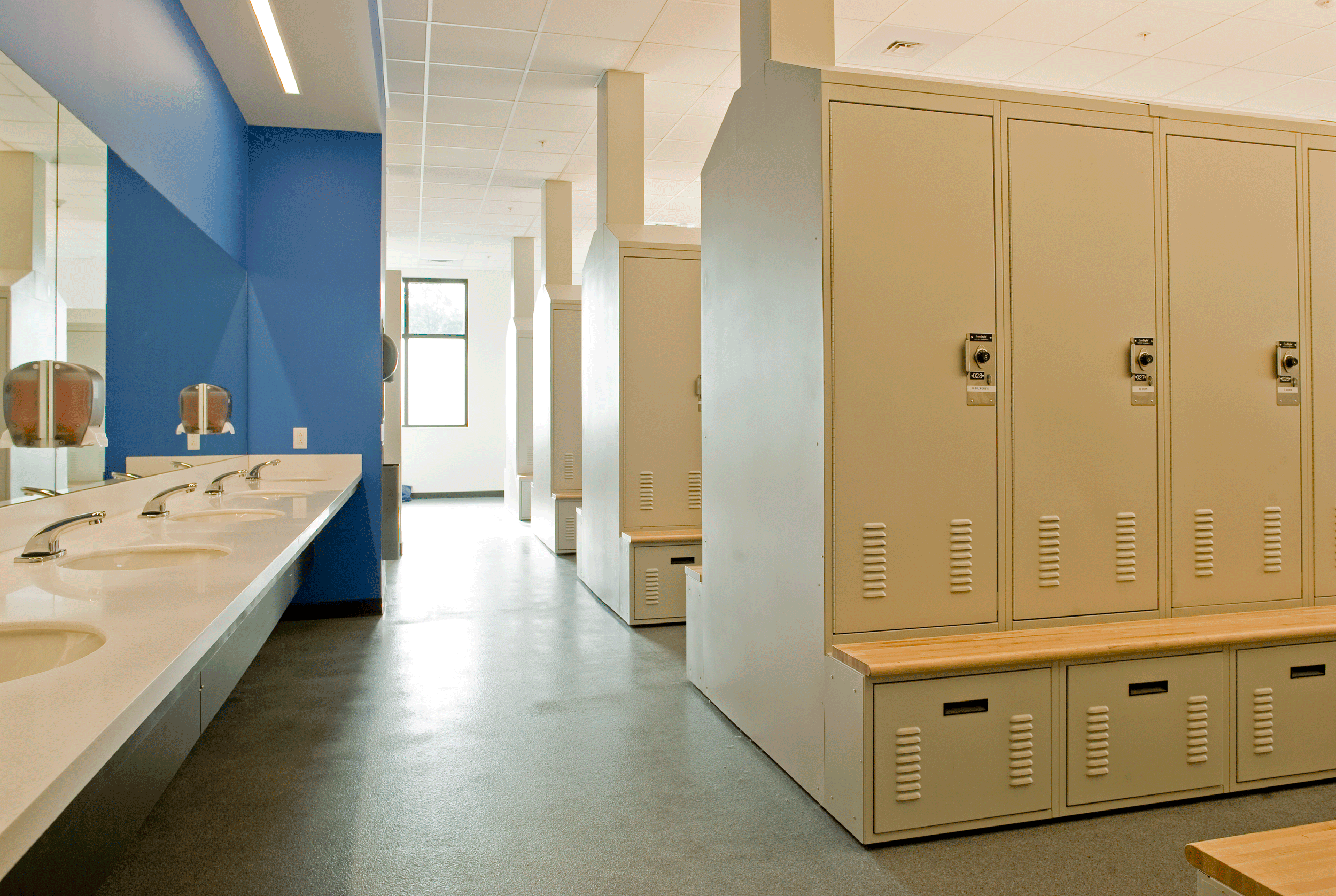 restrooms with lockers