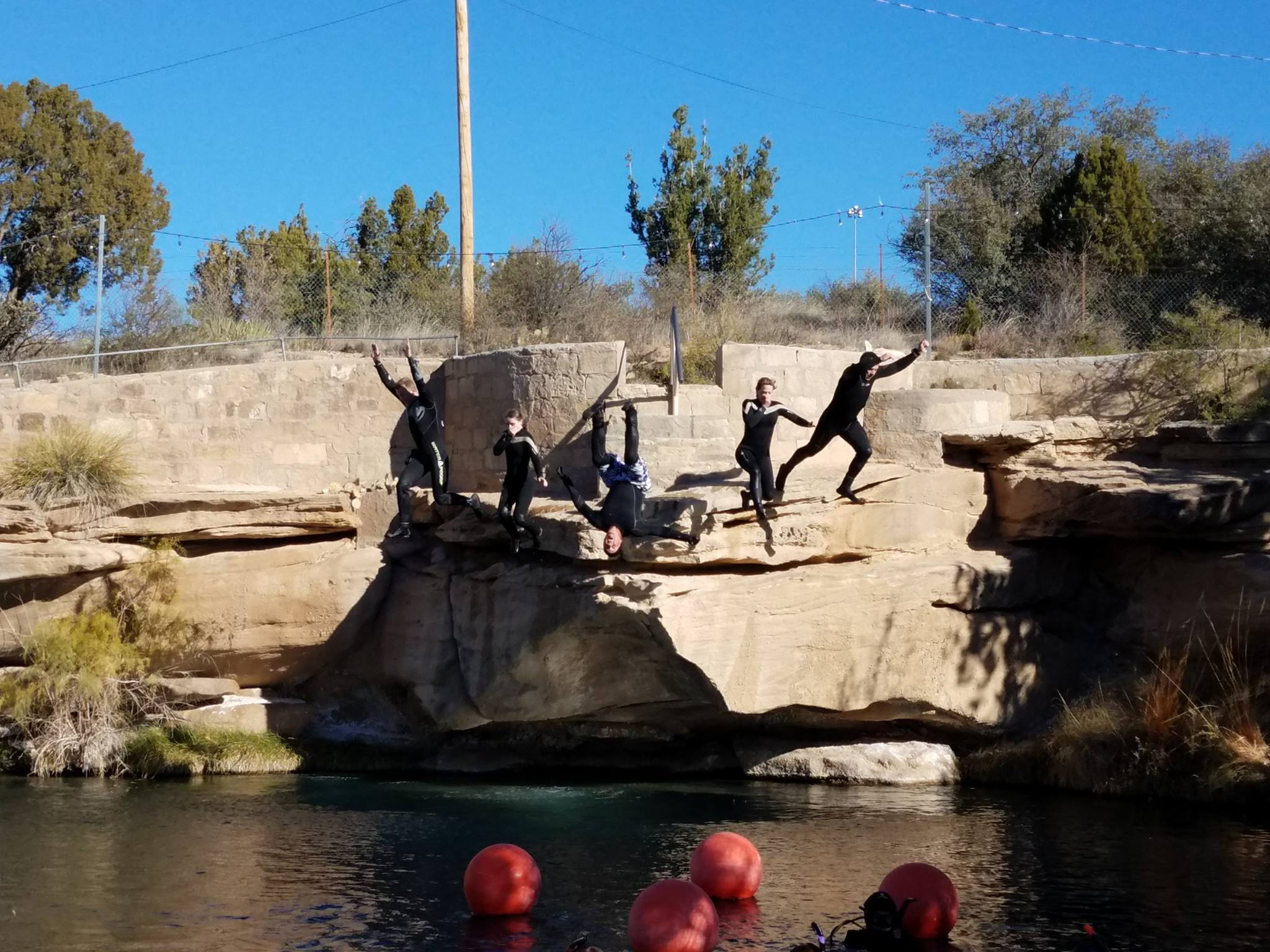 bluehole-jump