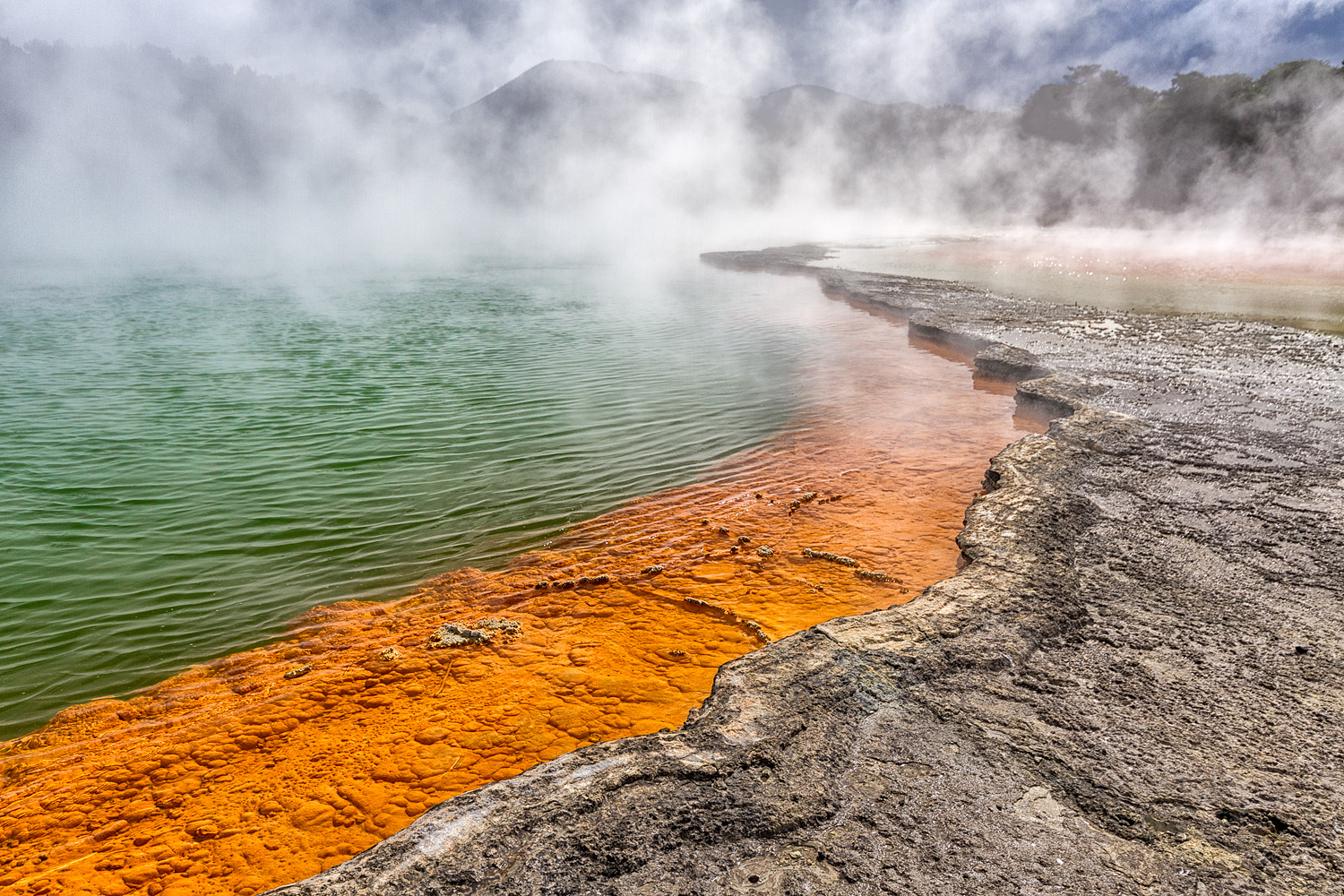 The Champagne Pool. 16 mm | 1/200 sec | f8 | ISO100