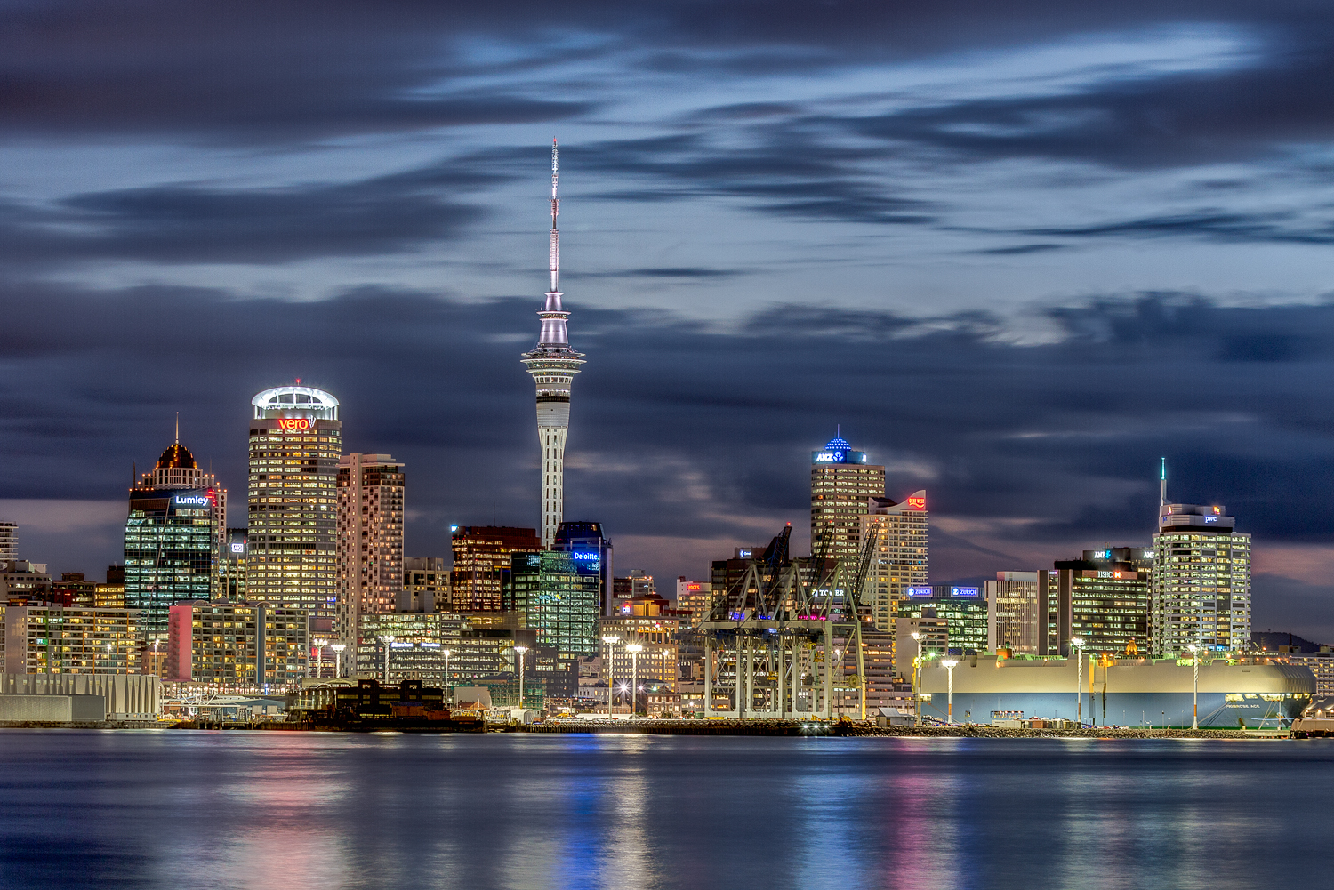 Auckland City At Dusk. 6 shot HDR | 84  mm | 0.4, 1.6, 4.0, 6.0, 15.0, 30.0 sec | f7.1 | ISO200