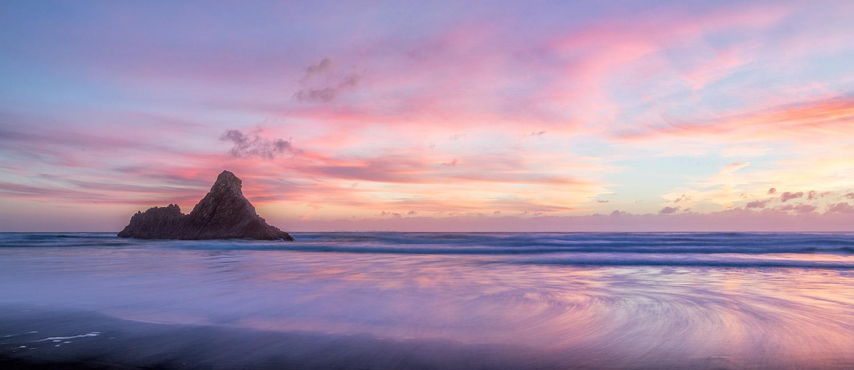 Karekare Beach at Dusk | 2 image panorama | 35mm | 2.5 sec | f9.0 | ISO100