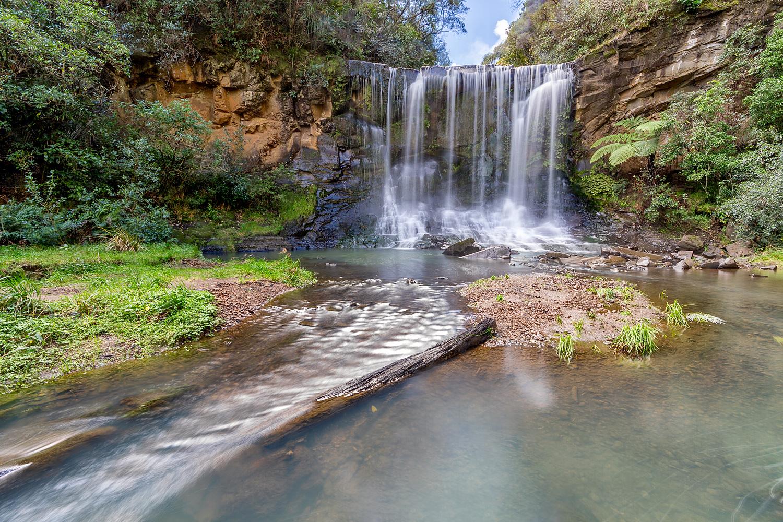 Mokoroa Falls 2   10mm   3 exposures @ 1/4, 1 & 4 secs   f16   ISO100