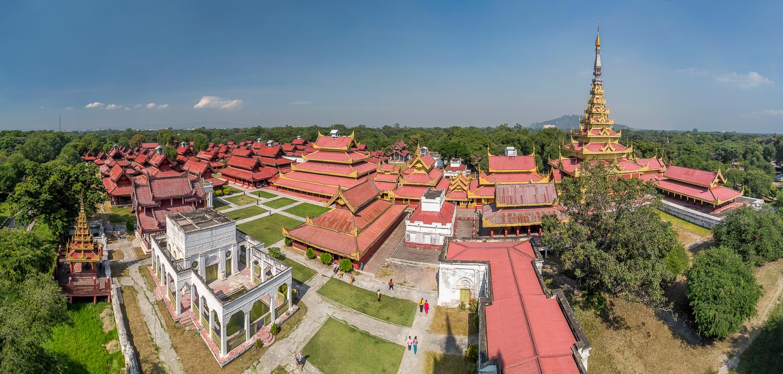 Mandalay Royal Palace Panorama | 12 shot Panorama | 24mm | 1/100th sec | f8.0 | ISO100
